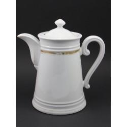 Stary dzbanek porcelanowy