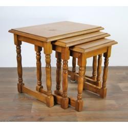 Trojaki - zestaw trzech stolików