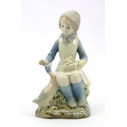 Figurka dziewczynka, gęsiarka Made in Spain